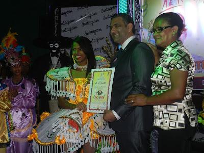 Luis Alberto apoya carnaval SDE