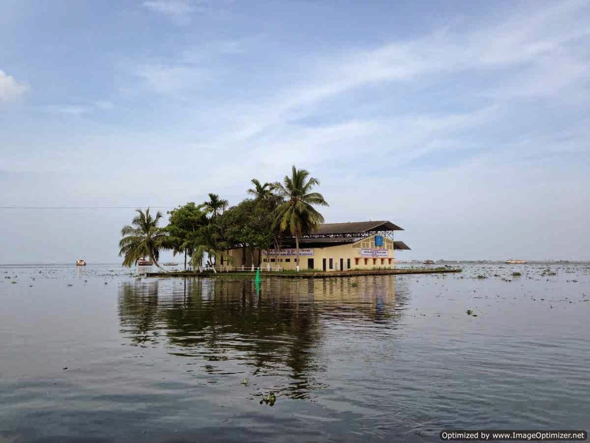 Exploring the Kerala backwaters