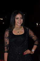 Sakshi Agarwal looks stunning in all black gown at 64th Jio Filmfare Awards South ~  Exclusive 098.JPG