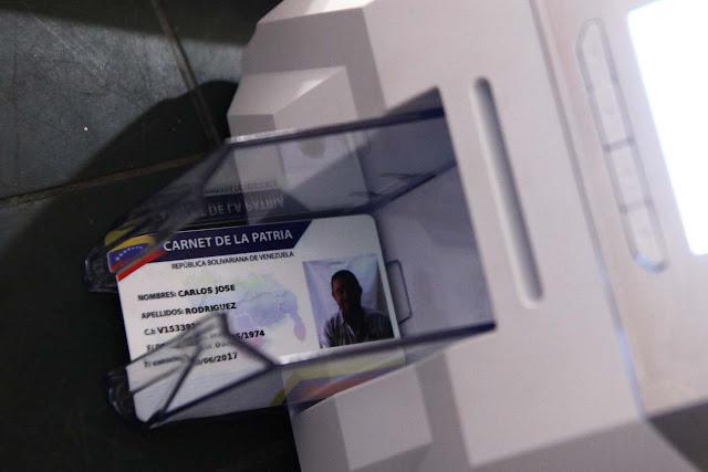 Gobierno bolivariano usará el carnet de la patria para saber quién vota el domingo