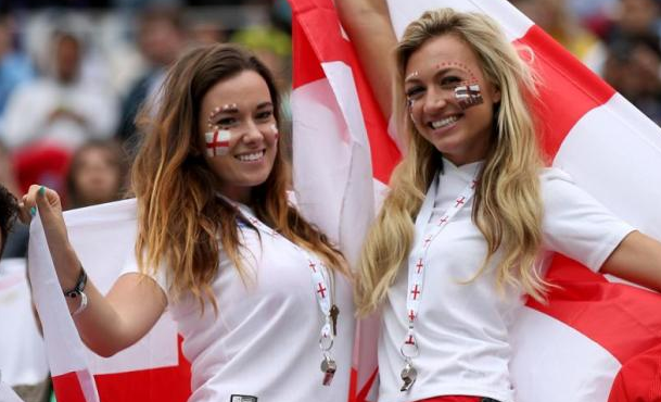 England Female Fans-3 Euro 2016