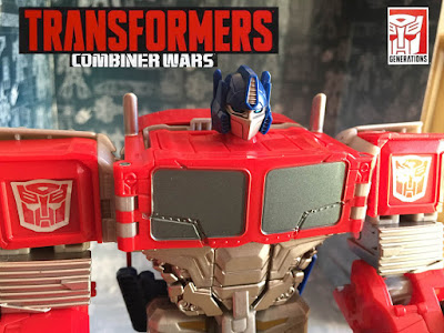 Transformers Generations Combiner Wars Optimus Prime recensione