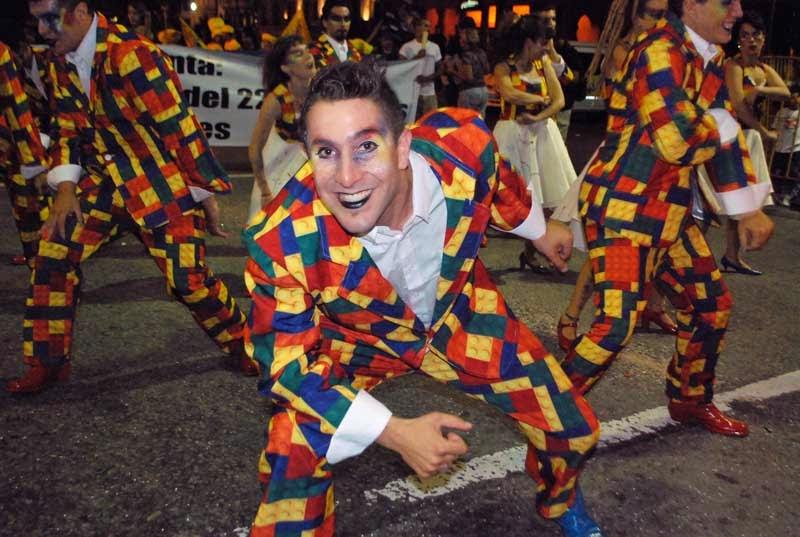 Desfile Inaugural del Carnaval. 2015. La Troupe del 22.
