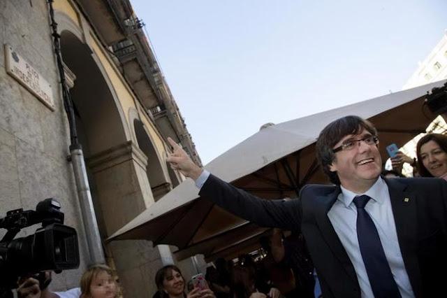 Puigdemont viaja a Bélgica y contrata a un abogado que defendió a miembros de ETA