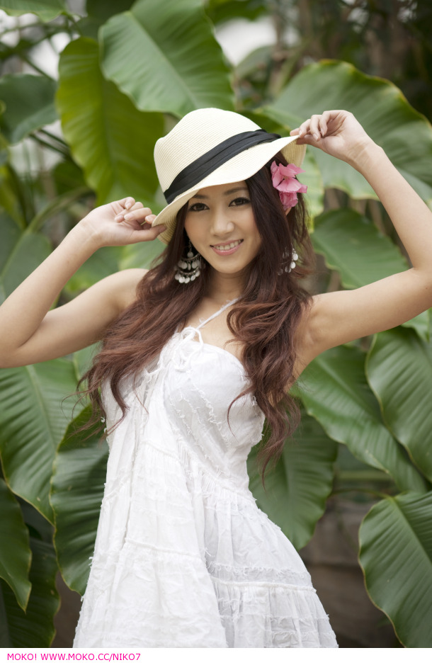 yan feng-jiao sexy naked pics 03