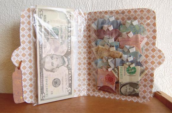 me encanta esta idea de ingridrid dervold porque es una tarjeta prctica para entregar el dinero pero a su vez es muy creativa