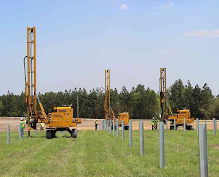 01_piling-solar-panel-installation-solar-farm