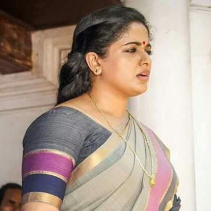 Kavya Madhavan latest photos in saree from Parayathe