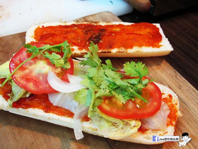 IMG 4910 - 【熱血採訪】NickJu 尼克啾 碳烤法式三明治 位於中國醫附近的尼克啾 NickJu 主打法式三明治,把餐廳所用的食材搬到街頭,讓客人用平價價格吃到高檔美味
