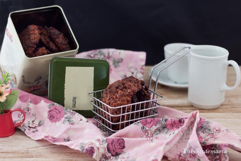 Galletas de crujientes de avena y cacao, con truvía