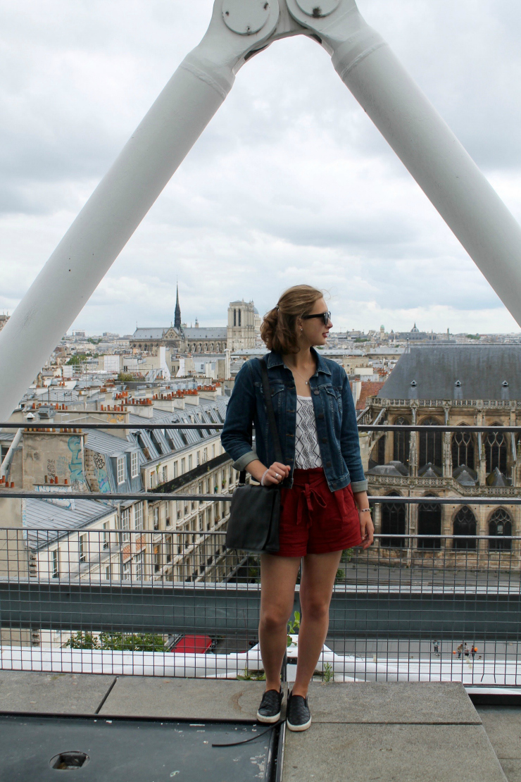 Linen rust colored shorts and jean jacket in Paris #ootd