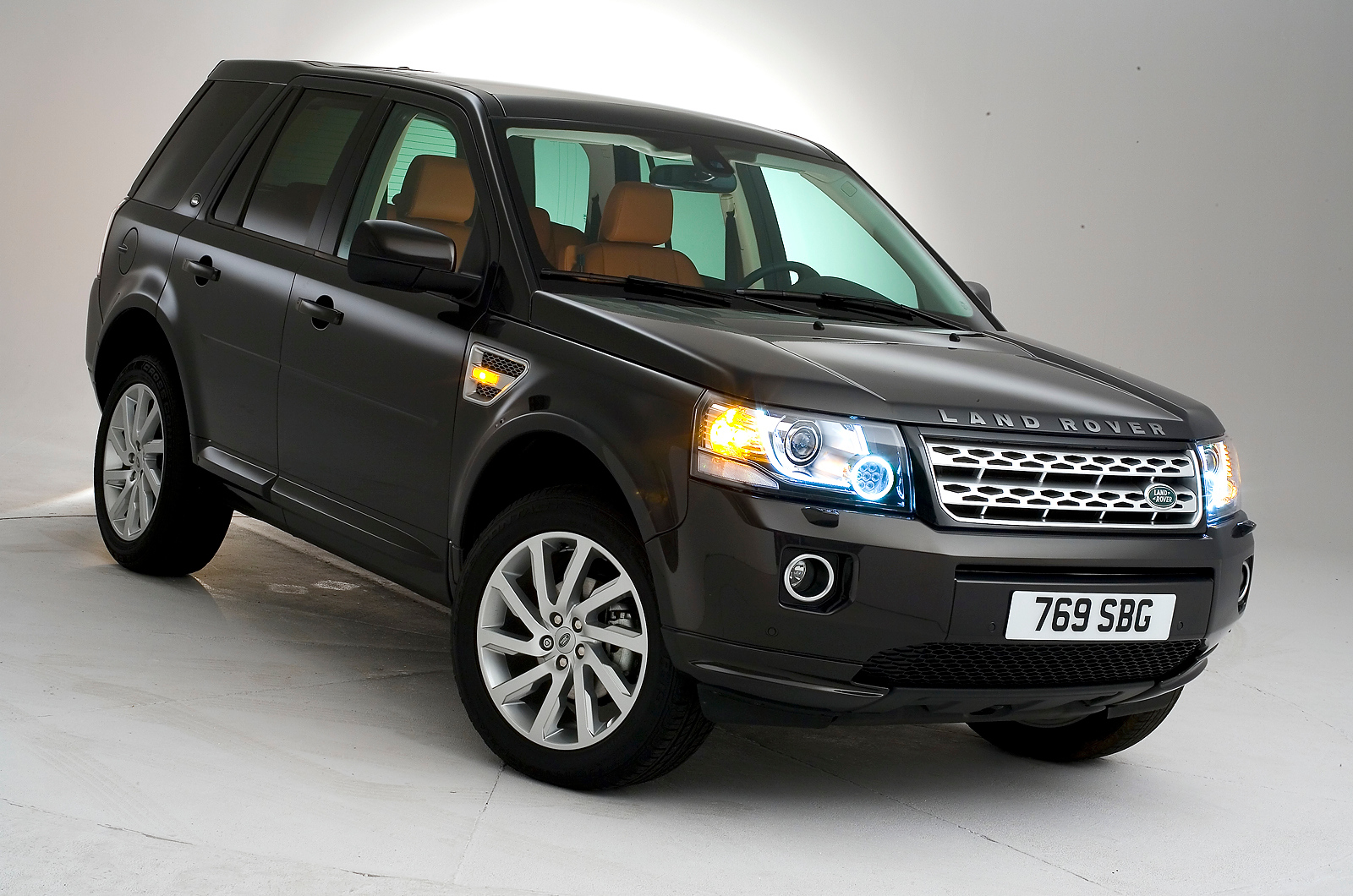 land rover freelander 2 2013. Black Bedroom Furniture Sets. Home Design Ideas