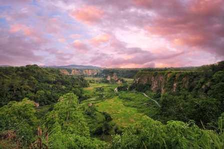 25 Tempat Wisata di Bukittingg