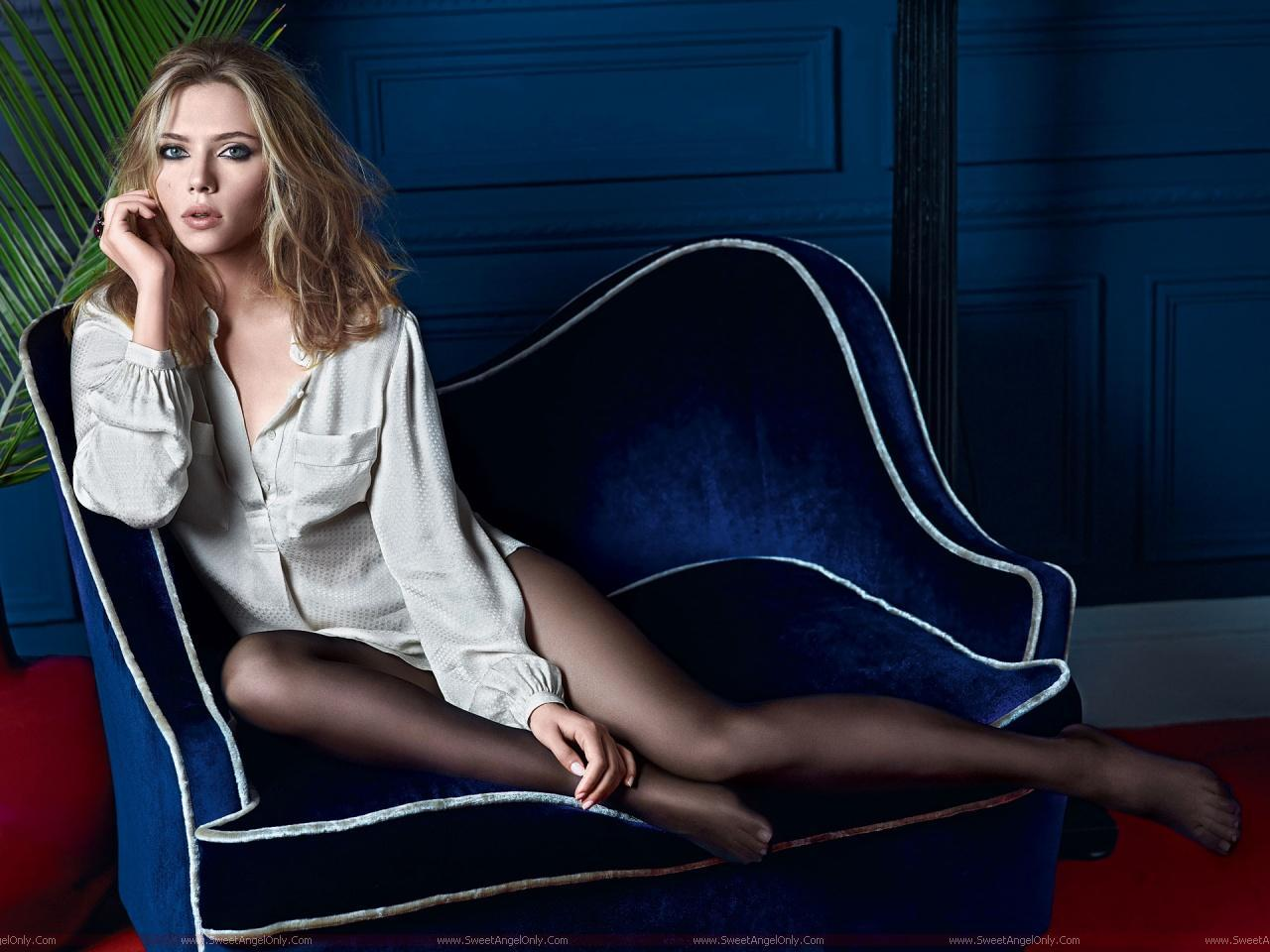 Scarlett Johansson Wallpaper: Booty Me Now: Scarlett Johansson-HD Wallpapers Hot