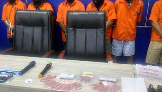 Pengedar Uang Palsu yang Dicari Polisi Diarahkan Dukun Sembunyi di Gua