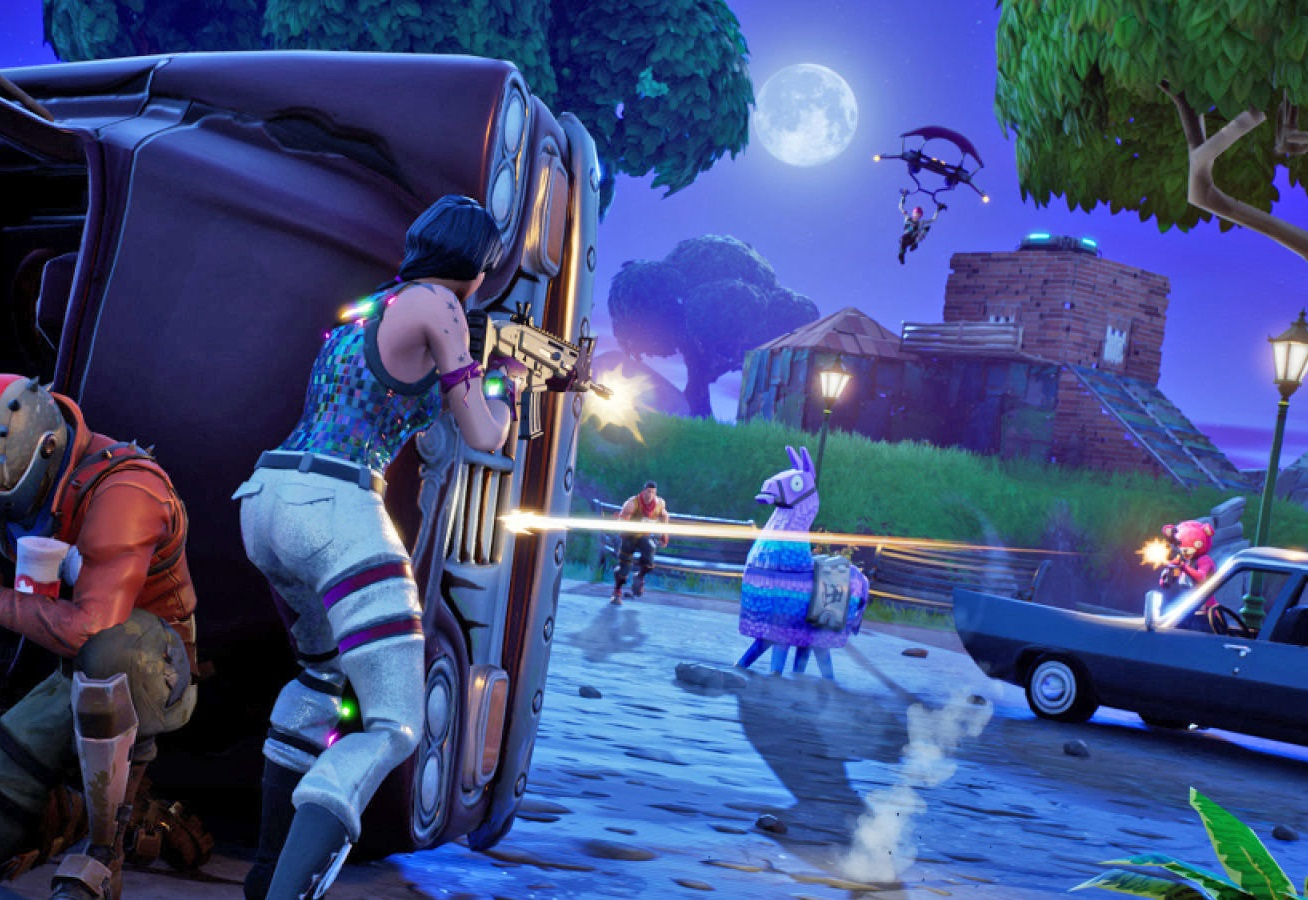 """Hackers make thousands of dollars selling """"Fortnite"""