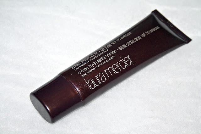 Laura Mercier  Oil-Free Tinted Moisturizer SPF 20