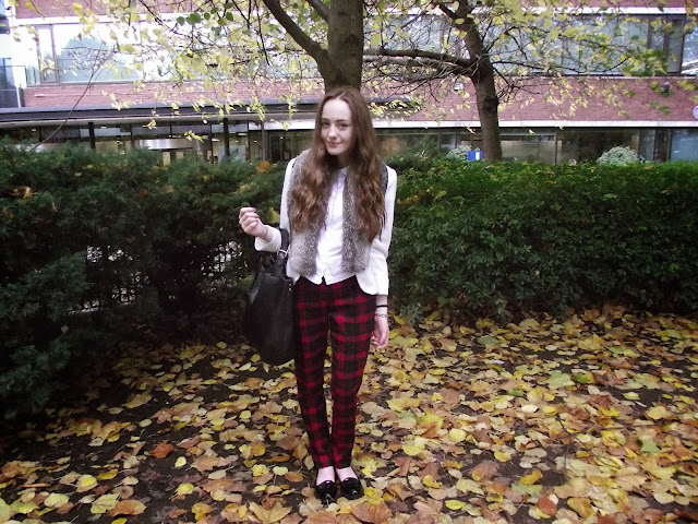 faux fur stole, tartan trousers, tartan pants, checked trousers, checked pants, aw13, fall winter 2013, scalloped shirt, white blazer, autumn