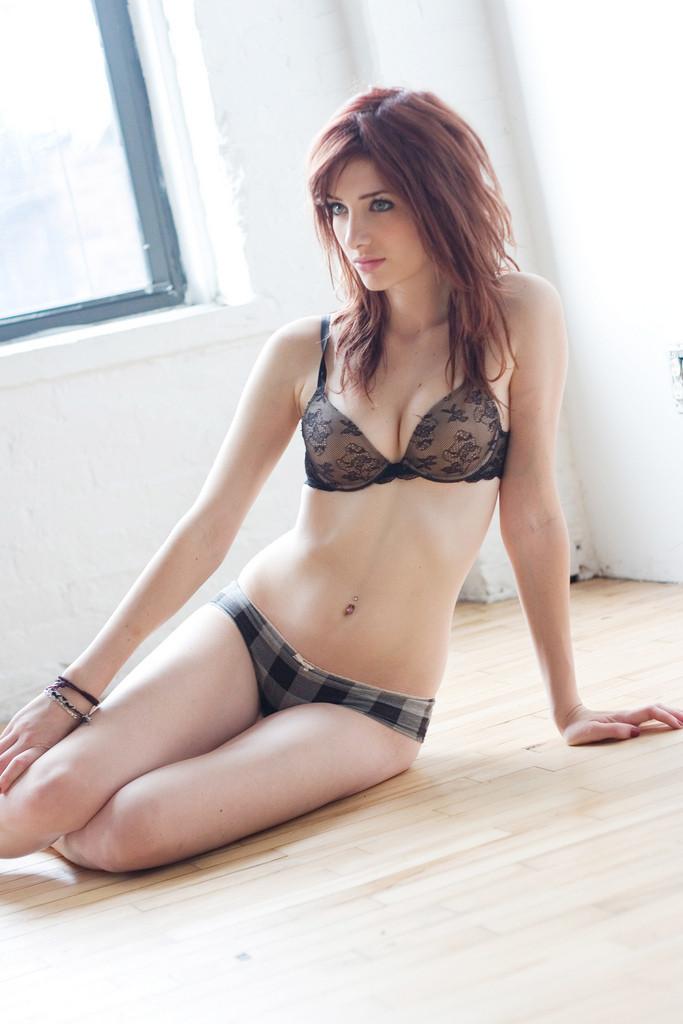 Susan Coffey World Most Beauty in Bikini ( 20 Sexy
