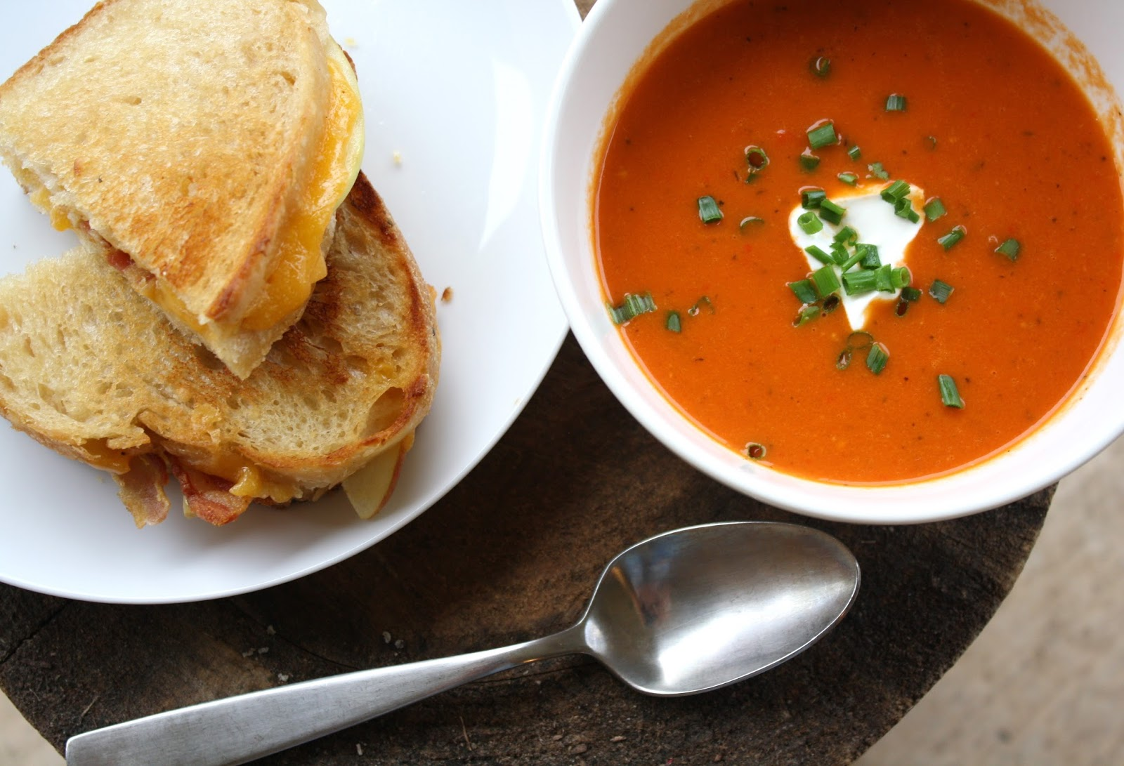 ... red pepper and tomato soup with apple-bacon grilled cheese... 1 hour