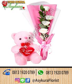 Produk Toko Bunga Bekasi Hand Bouquet Bunga dan Boneka