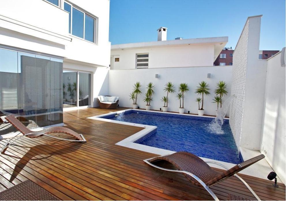 Construindo minha casa clean piscinas pequenas e modernas for Fotos de piscinas pequenas para patios