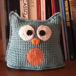 http://www.ravelry.com/patterns/library/oli-the-blue-tunisian-owl