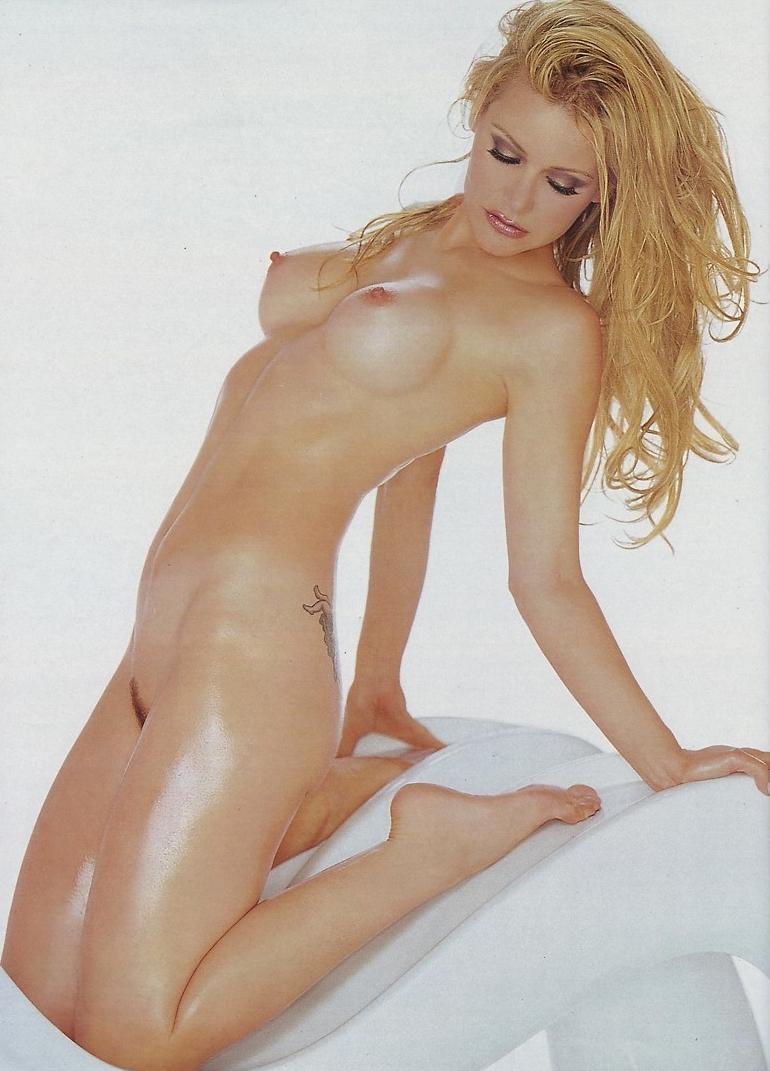 Dedee pfeiffer nude