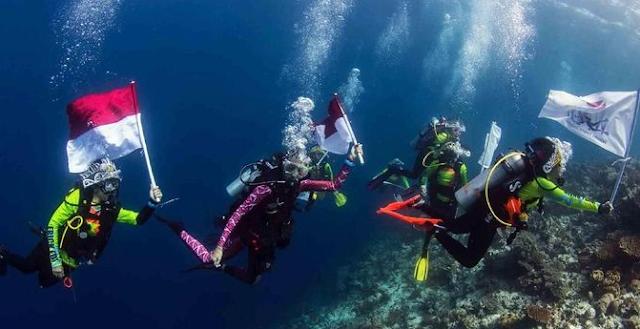 Ingin Pecahkan Rekor Dunia Para Penyelam Wanita Indonesia