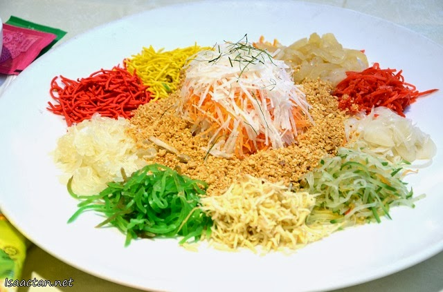 Abalone, Salmon and Snow Pear Yee Sang