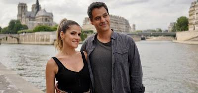 Ingrid Guimarães e Bruno Garcia posam às margens do rio Sena, nas filmagens de De Pernas Pro Ar 3 em Paris