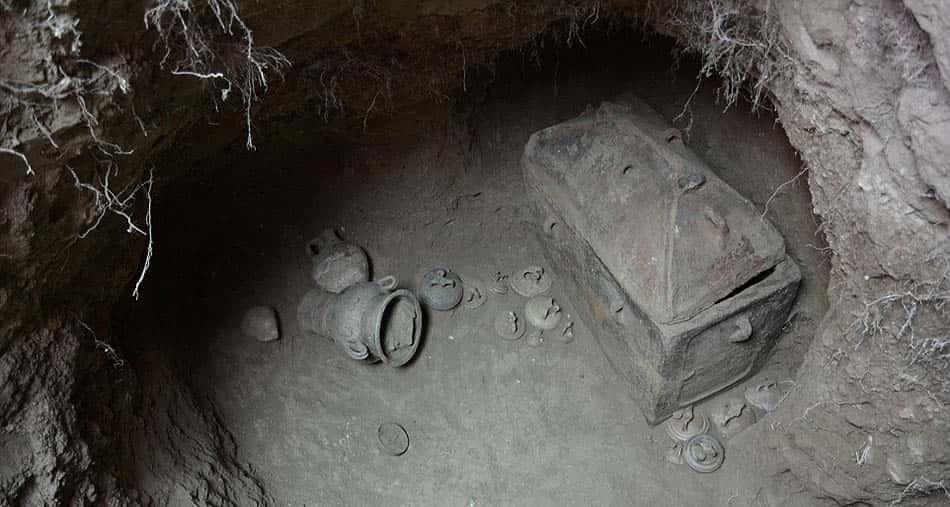 Arkeolojik buluntular, Minotor mezarı, Antik mezar, Girit'teki minotor mezarı, Minoan uygarlığı, Knossos antik kenti, A, Kral Minos, Yarı boğa yarı insan, Boğa adam mezarı