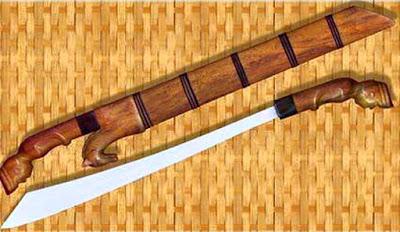 Gambar Kalewang Senjata Tradisional Sumatera Barat