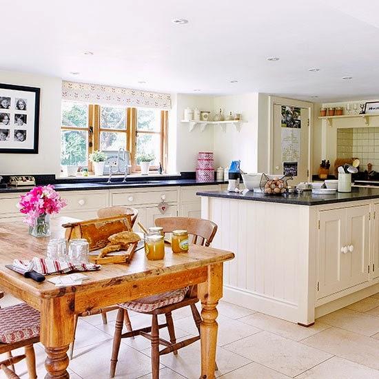 Open Plan Kitchen Apartment Designs: VIDÉKI PORTA: Country Konyhák