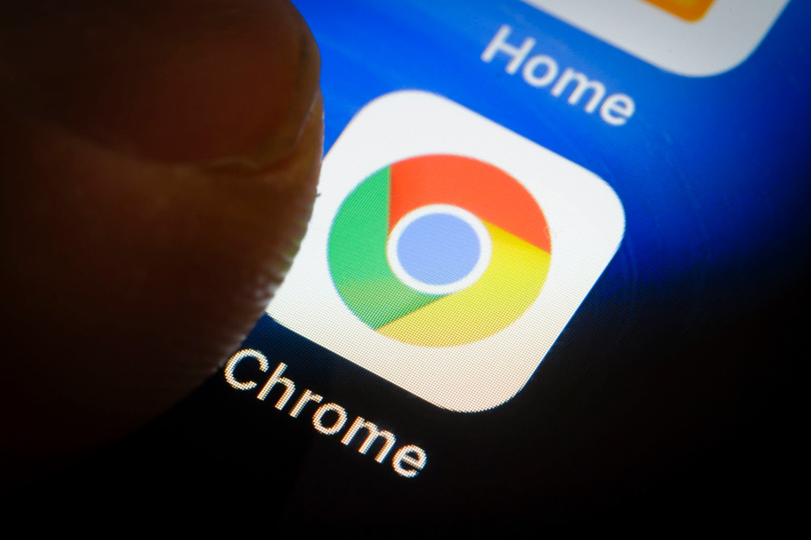 Google Chrome to get in-browser play button