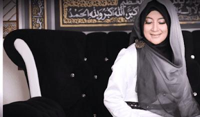 model baju muslimah umi pipik dian irawati