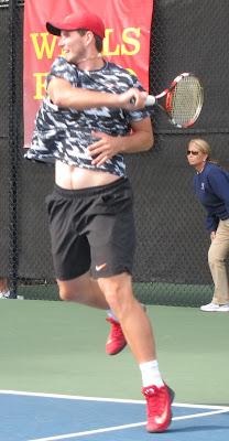 Novikov wins thriller in Wimbledon qualifying