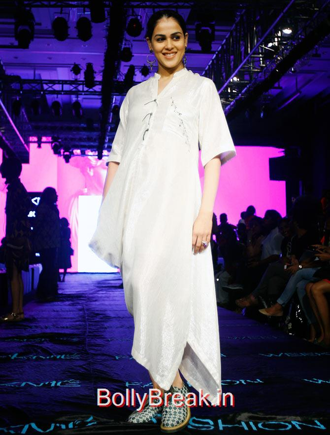 Genelia D'Souza, Bollywood Celebs Pics from Lakme fashion Week 2015 Day 3