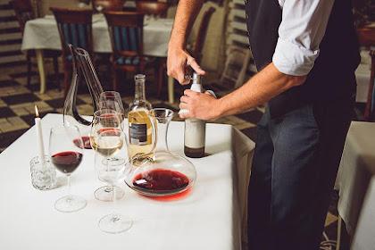 Efek Buruk bagi Kulit jika Mengonsumsi Wine Terlalu Banyak