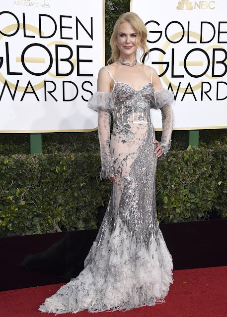 2017 Golden Globes Nicole Kidman Wear Silver Strapless Dress