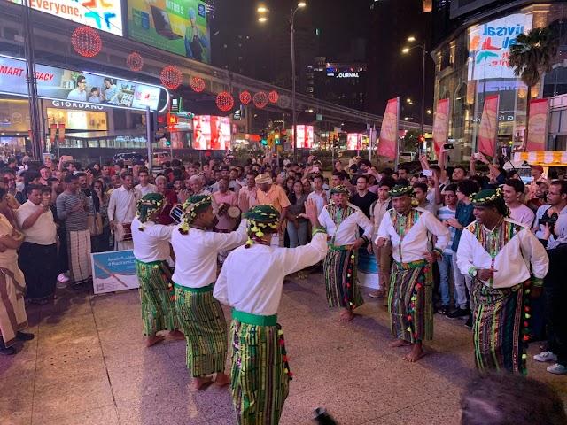 فريق الموسيقى الحضرمية يقف على التجهزات الأخيرة للحفل المرتقب