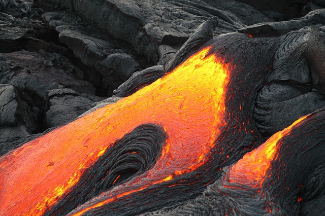 Hawaii Lava Flow Ramps Up As New Magma Mixes With Old Pahoa