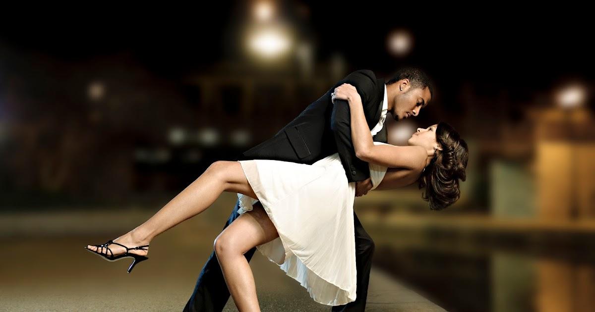 девушка наслаждается танцами мужики собраны открытых источников