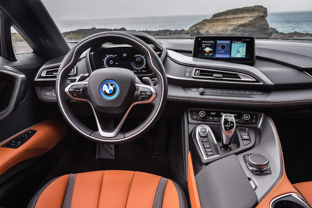 BMW i8 2018 Roadster - interior