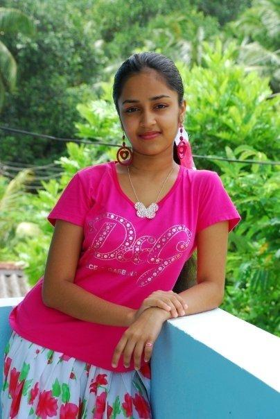 Sri Lanka fashion blog Sri Lankan young Actress Pramudi