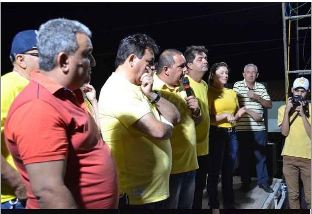 Carreata e comício marcam campanha de Manoel 25 e Aninha de Berré em Morada Nova