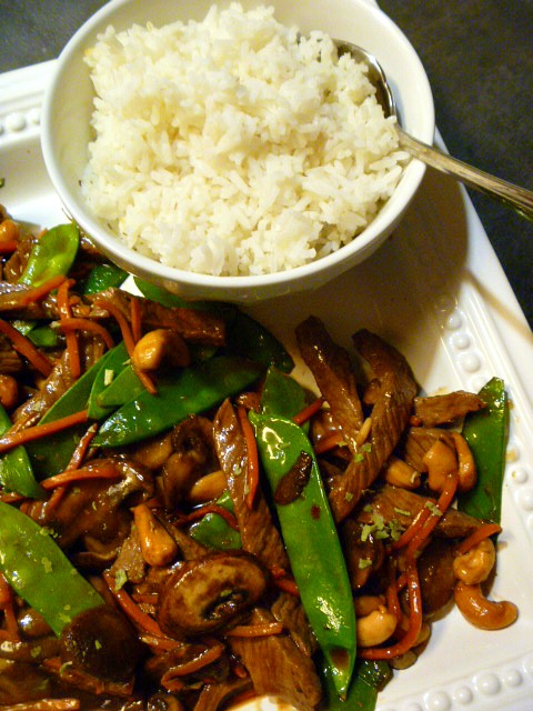 30 minutes to dinner with this Spicy Beef, Snow Peas, Mushrooms, and Carrot Stir Fry - A One Skillet Meal - Slice of Southern