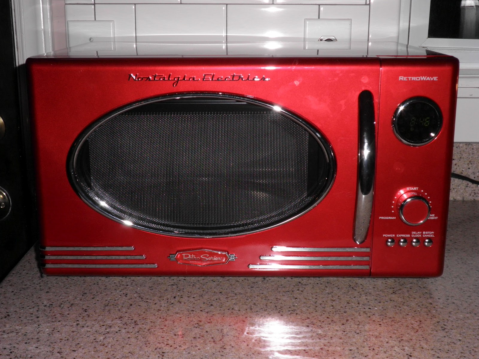 Red Retro Microwave Bestmicrowave