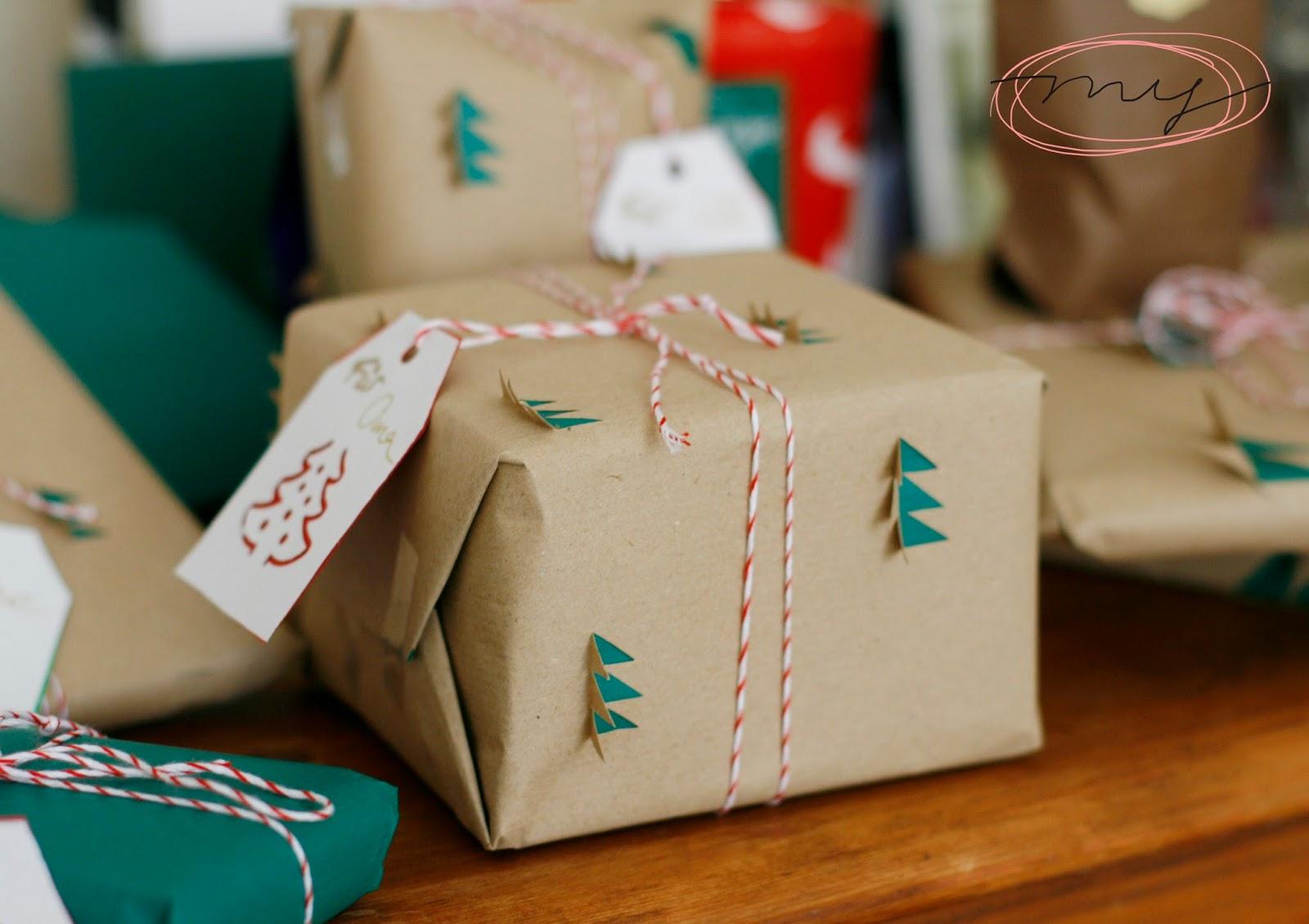 last minute geschenkeverpacken frohe weihnachten. Black Bedroom Furniture Sets. Home Design Ideas