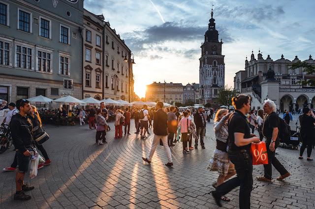 Những điều cần biết khi mua sắm ở Châu Âu